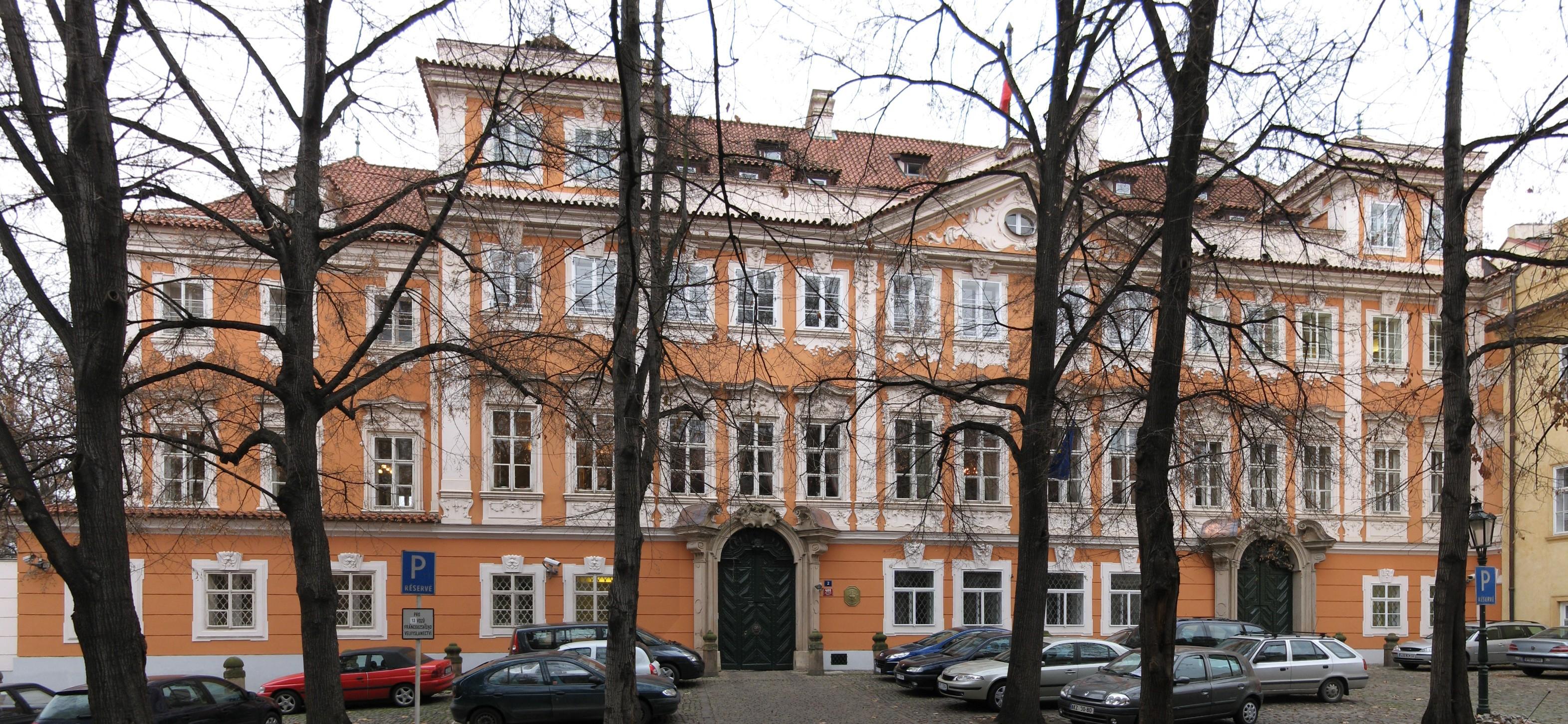 フランス大使館チェコ語翻訳